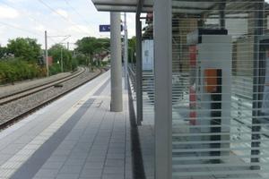 Auf Bahnsteigen sollen nicht leitende Materialien zum Einsatz kommen. Recyfix Pro Rinnen bieten diesen Vorzug und brauchen deshalb nicht extra geerdet werden.