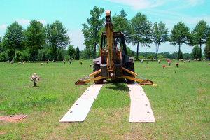 """TrackMats sind Bodenschutzmatten für den Gebrauch von gummibereiften Fahrzeugen und Fahrzeugen auf Gummiketten<span class=""""bildunterschrift_hervorgehoben"""">Foto: BauTec</span>"""