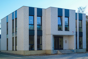Mit Außenwandmauerwerk aus Unika-Kalksandstein herrscht für Planer und Bauherrn bei der Fassadengestaltung größtmögliche Freiheit.