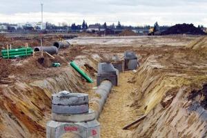 Typische Baustellensituation mit Verlegung von Regenwasser- und Schmutzwasserkanal<br />