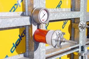 """3Baustellenversuche unter Verwendung von Druckmessdosen zeigten einen erheblichen Einfluss der Art der Betoneinbringung auf den Frischbetondruck<span class=""""bildunterschrift_hervorgehoben"""">Fotos: Doka</span>"""