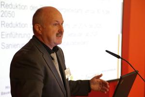 """Ministerialrat Hans-Dieter Hegner, Leiter des Referates """"Bauingenieurwesen, Bauforschung, nachhaltiges Bauen"""" im Bundesministerium für Verkehr, Bau und Stadtentwicklung (BMVBS)"""