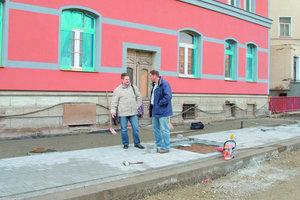 1Am Gothaer Platz in Erfurt wurde das Airclean-Pflaster zur Verminderung von Schmutzpartikeln in der Luft eingebaut