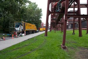 """<span class=""""bildunterschrift_hervorgehoben"""">Schlauchlinersanierung</span> auf Zeche Zollverein: Die Mischanlage ist im so genannten DS CityLiner untergebracht<br />"""