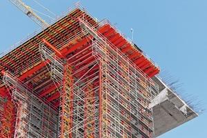 Sowohl Überbauschalung als auch Lehrgerüst basieren auf dem Variokit Ingenieurbaukasten<br />