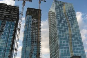 2008 fertiggestellt: Vier baugleiche 43-stöckige Hochhäuser in Astana, der Hauptstadt Kasachstans. Die Raster-Universalschalung von Paschal wurde effektiv und erfolgreich eingesetzt<br />