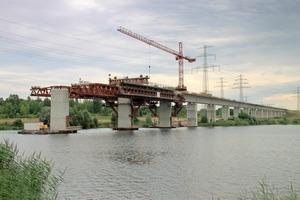 Der Bau der Saale-Elster-Talbrücke verlangt einen absolut sorgsamen Umgang mit der Natur, denn sie überquert eine Wasserschutzzone und mehrere Natur- und Vogelschutzgebiete
