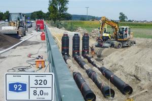 SediPipe XL-Plus eröffnet neue Möglichkeiten bei der Behandlung von Straßenabflüssen. Auf der bayerischen Autobahn A 92 bewährt sich die Sedimentationsanlage sogar in einem Wasserschutzgebiet