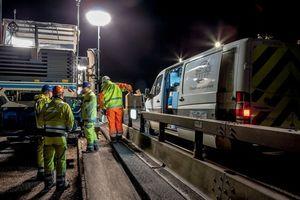 Das äußerst knappe Arbeitszeitfenster, in dem der Betoneinbau nachts am Motorway M 6 erfolgen konnte, betrug jeweils immer nur 6 Stunden