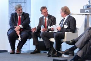 V.l.n.r.: Dr. Heiko Stiepelmann (Hauptverband der Bauindustrie), Thomas Hummelsbeck (Rheinwohnungsbau GmbH)und Burkhard Fröhlich (Chefredakteur DBZ).
