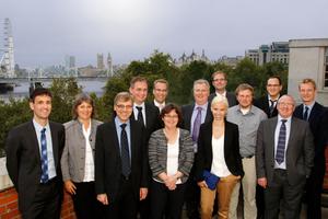 """Das SeRoN Konsortium im Oktober 2012 bei der IET-SeRoN-Konferenz """"Infrastructure Risk and Resilience"""", London (Foto: IET)"""