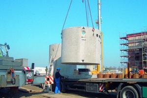 """2Die Abscheidesysteme OLEOPATOR sind ein wesentlicher Baustein für die Systemkette in Nüttermoor. Der Hersteller Aco gehört zu den führenden europäischen Anbietern von Leichtflüssigkeitsabscheidern. In den letzten 35 Jahren sind weltweit über 75 000 Anlagen aus Bürstadt geliefert worden, für die kleine Tankstelle ebenso wie für große Industrie- oder Flugverkehrsgelände<span class=""""bildunterschrift_hervorgehoben"""">Foto: Aco Tiefbau</span>"""