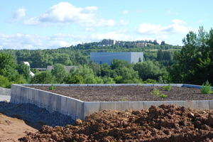 Als eine der letzten Bauleistungen wird am höchsten Punkt der ehemaligen Deponie ein Biofilter, mit den Dimensionen 10 m x 10 m, eingerichtet<br /><br />