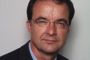 Dr.-Ing. Olaf Leitzbach zeichnet bei der Meva Schalungs-Systeme GmbH verantwortlich für die Bereiche Werkstoff-Entwicklung und Patentwesen, außerdem ist er Qualitätsmanagementbeauftragter für das Gesamtunternehmen<br />