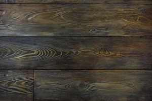 Lavanior Eliter Holzpaneele werden aus mineralischen Grundstoffen in authentischer Holzoptik mit haptischer Struktur gefertigt.