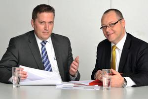 André Rolfes (links), Leiter Kompetenzcenter Bau bei der GEFA und Thomas Ramspeck (rechts), Leiter Region Ost Kompetenzcenter BauDas GEFA-Bauteam: Im Außen- und Innendienst spezialisiert auf Finanzierungen für die Baubranche (kleines Foto)