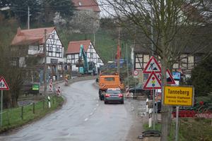 Enges Baufeld, kurviger Straßenverlauf, schwieriger Baugrund: Beim grundhaften Ausbau der S 36 bei Tanneberg müssen ganz unterschiedliche Herausforderungen gemeistert werden.<br />