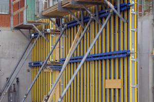 In den Fluren und Treppenhäusern sind 4.500 m² Sichtbetonwände vorgesehen<br />